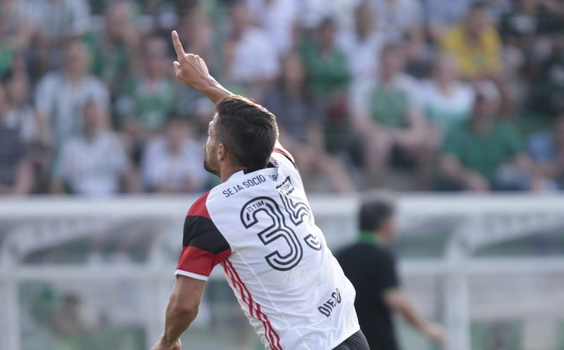 Brasileirão 2016: Chapecoense 1 x 3 Flamengo