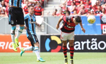 Diego marca na estreia e Flamengo vence Grêmio no Mané Garrincha