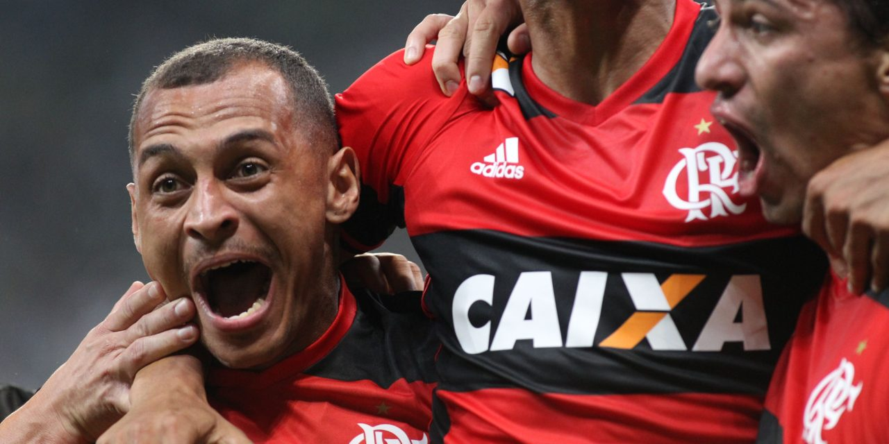 Na raça e na vontade: Com um a menos, Fla empata com Palmeiras
