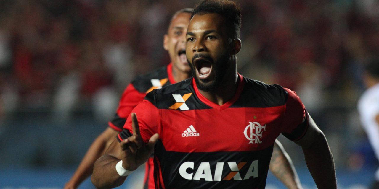 Flamengo se supera, vira o placar e corta Figueirense da Sul-Americana