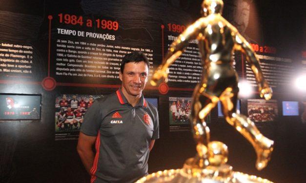 Estudioso, Zé Ricardo é visto por Gabriel como futuro técnico da Seleção