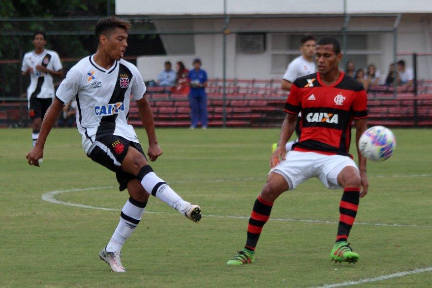 Flamengo vence o Vasco na Gávea e abre vantagem na final do Torneio OPG