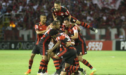 Em clássico com arbitragem polêmica, Flamengo vence o Flu e fica a um ponto do líder