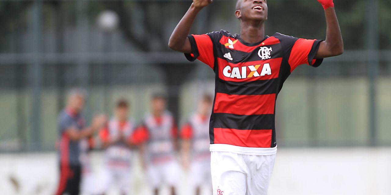 Vinicius Junior marca e dá vitória ao Flamengo na Copa do Brasil