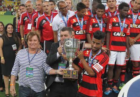 Flamengo ainda não definiu com que time joga o Carioca