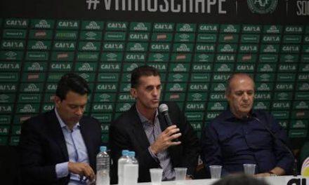 Técnico da Chape cita Flamengo como um dos clubes a oferecer ajuda verdadeira