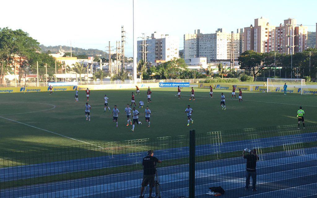 Flamengo para em boa atuação da defesa botafoguense na Copa RS Sub-20