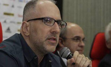 Tabet responde a jornalistas que criticam gestão do clube