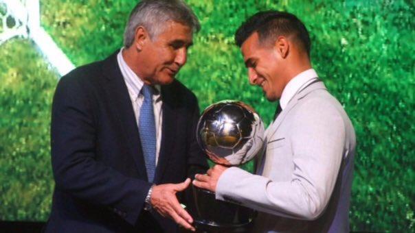 Reforço do Flamengo é escolhido como melhor jogador do Peruano 2016