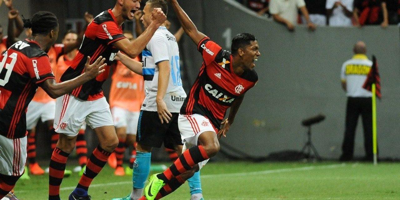 Berrío dedica gol à família, e recebe elogios de Zé Ricardo