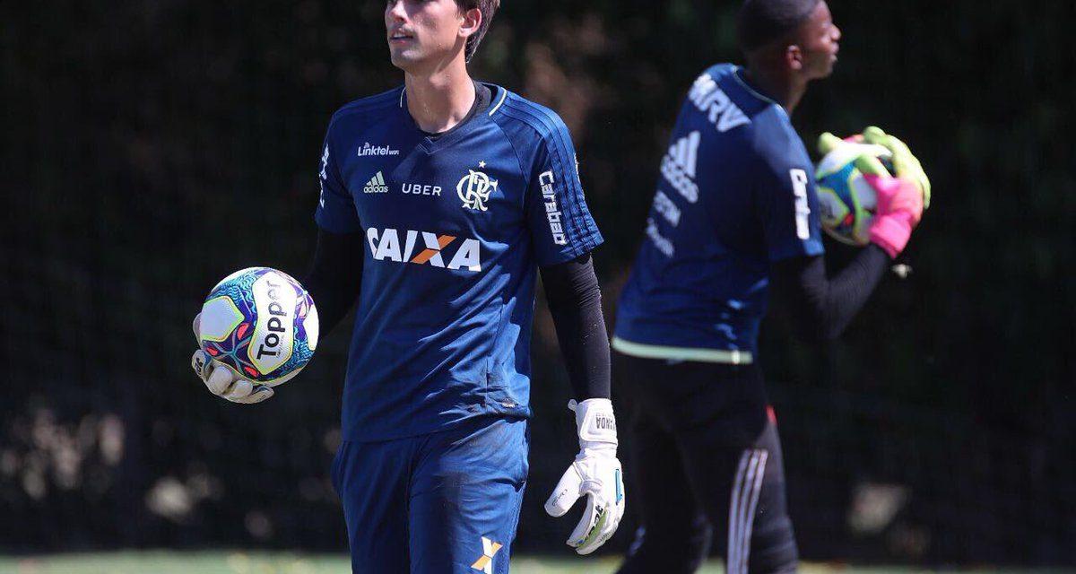 Flamengo anuncia retorno de César