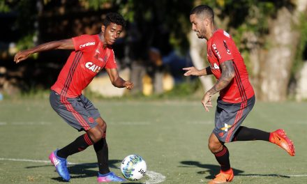 Flamengo negocia renovação com Gabriel