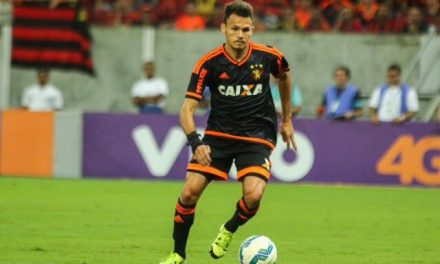 Renê não viaja com Sport e está perto de acerto com Fla, diz imprensa de PE