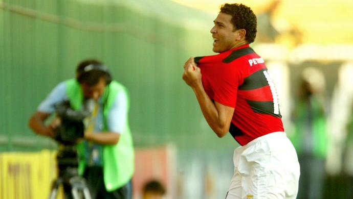 Flamengo nunca perdeu clássico em Volta Redonda
