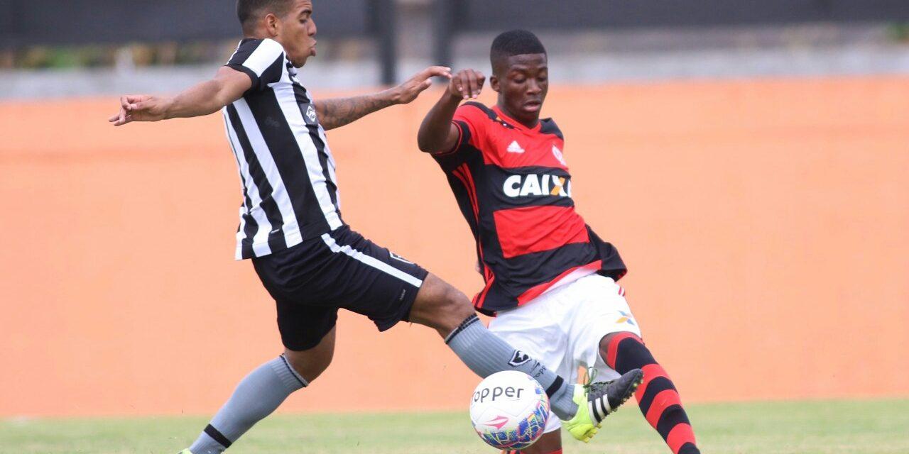 Ta§a Rio Sub 20 Flamengo e Botafogo medem for§as no Nilton Santos