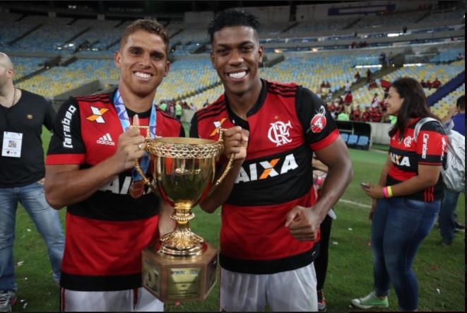 """Flamengo ainda deve R$ 25 milhões por """"passes"""" de jogadores"""