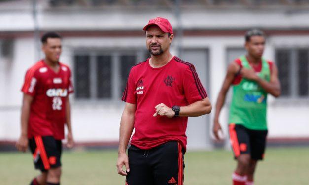 "Maurício Souza garante foco na Copa São Paulo: ""Entramos para buscar o bicampeonato"""