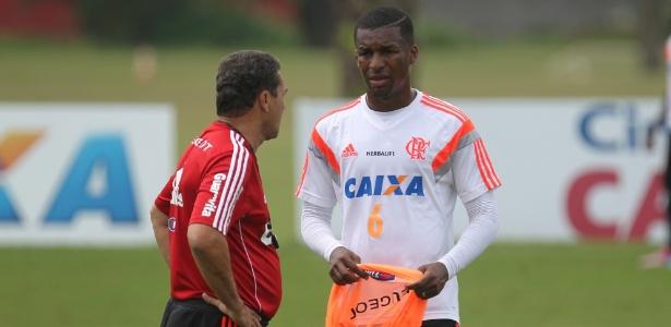 Adversário do Flamengo na Libertadores, Peñarol acerta com Erazo, afirma jornalista