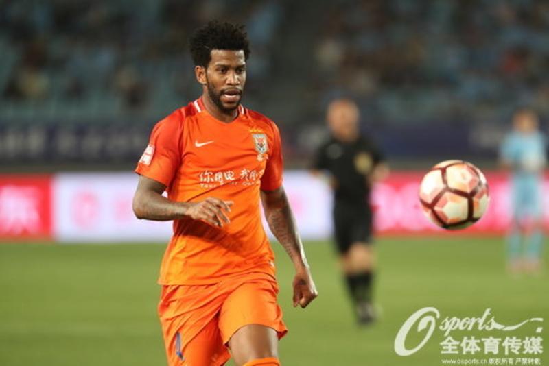 Especulado no Flamengo, Gil diz que pretende continuar na China
