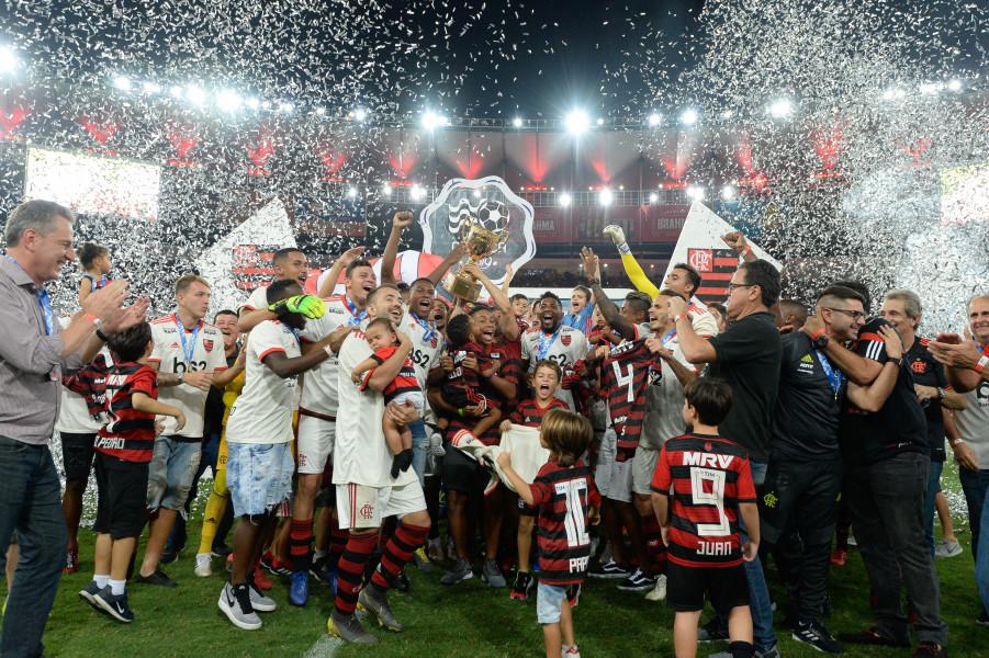 Campeão Carioca, Flamengo domina a lista da seleção do Estadual