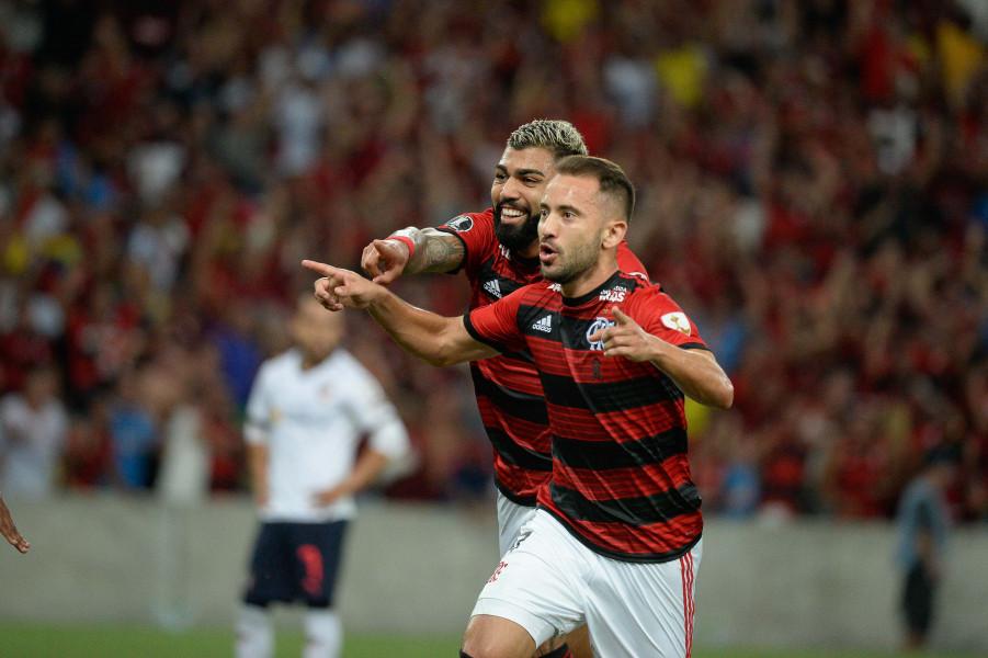 Everton Ribeiro e Gabigol podem ser poupados na decisão de domingo; entenda