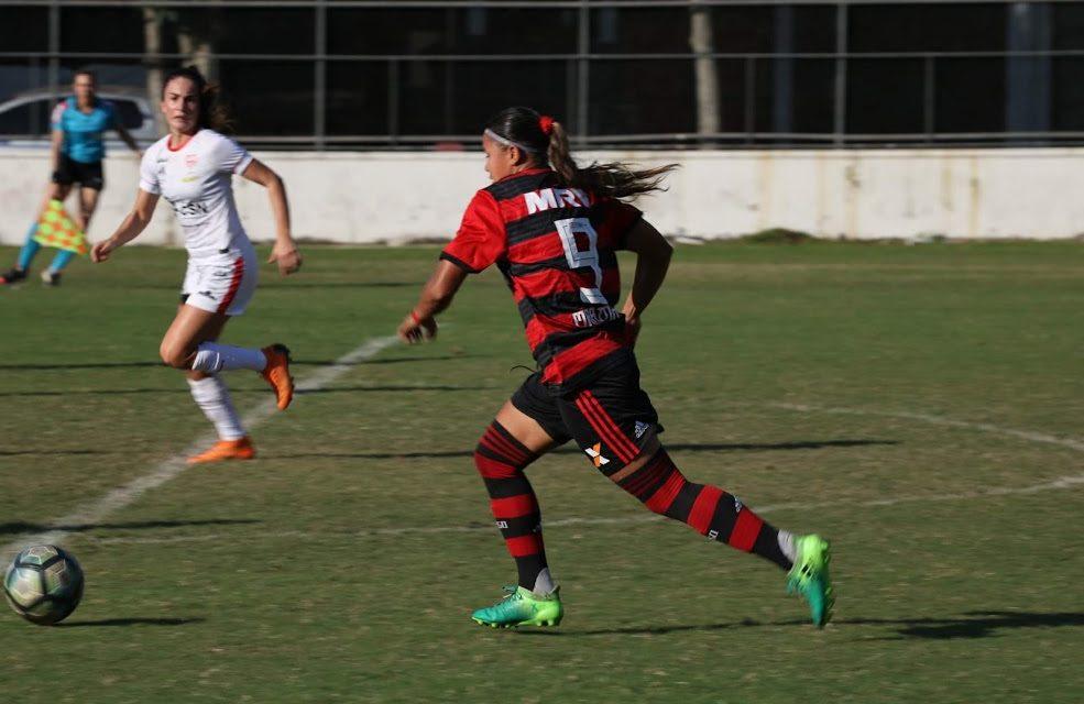 Maior artilheira da história do Flamengo/Marinha, Pâmela jogará na China