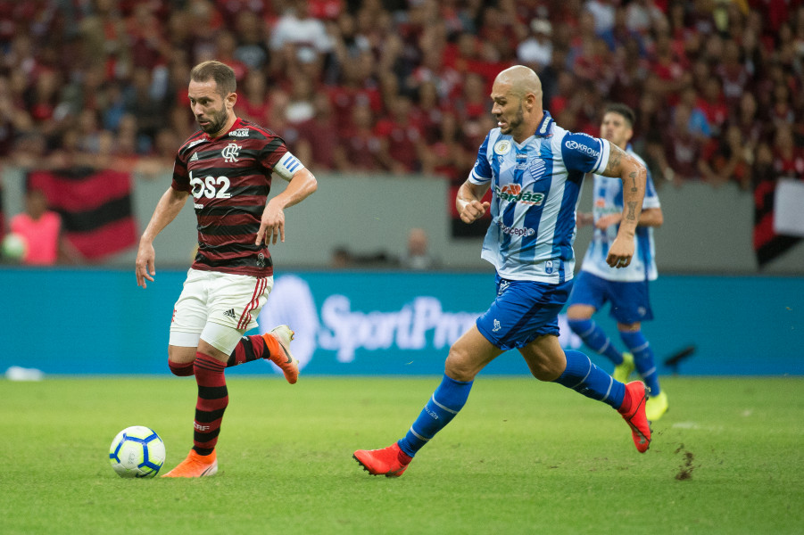 Everton Ribeiro volta a liderar número de assistências do Fla no ano