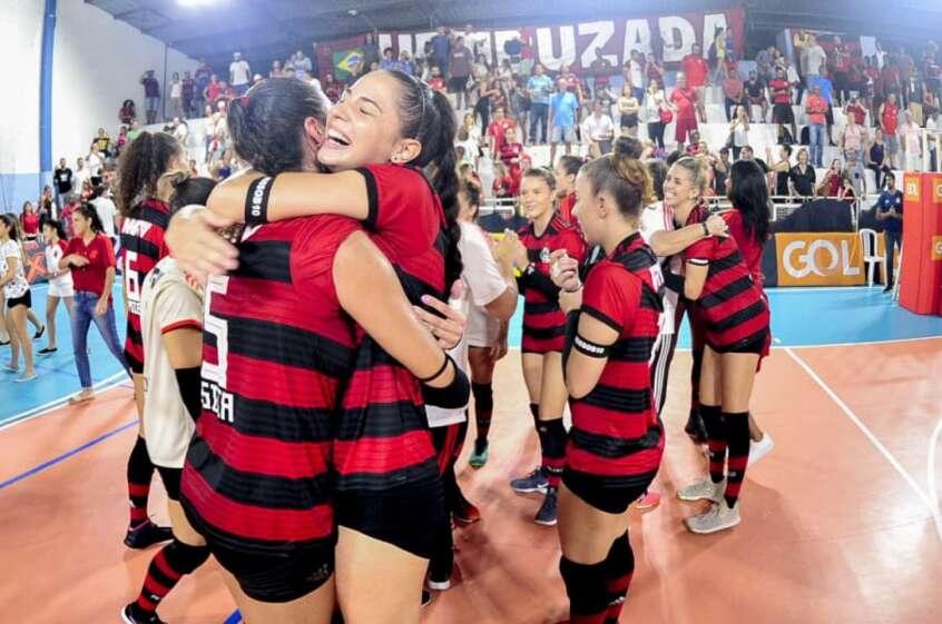 Com Fernanda Ísis e mais 10 novas contratações, vôlei do Flamengo se prepara para finalmente voltar à Superliga
