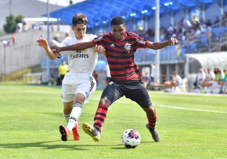 Sub-16 faz bonito e derrota o Real Madrid na estreia de torneio internacional