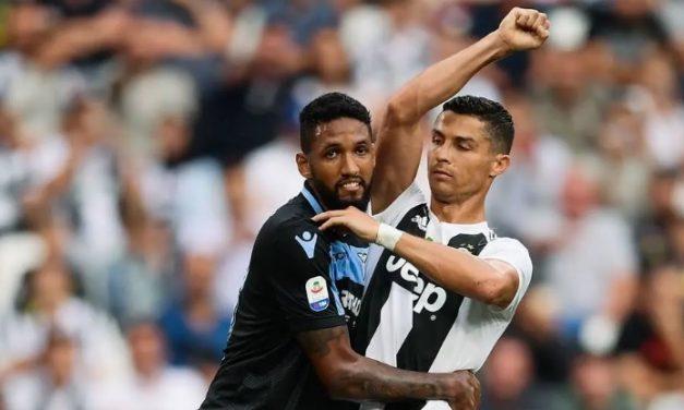 Na mira do Flamengo, Wallace recebe inúmeras críticas de torcedores da Lazio
