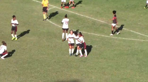 Flamengo empata em seu primeiro jogo oficial em categorias de base feminina de futebol