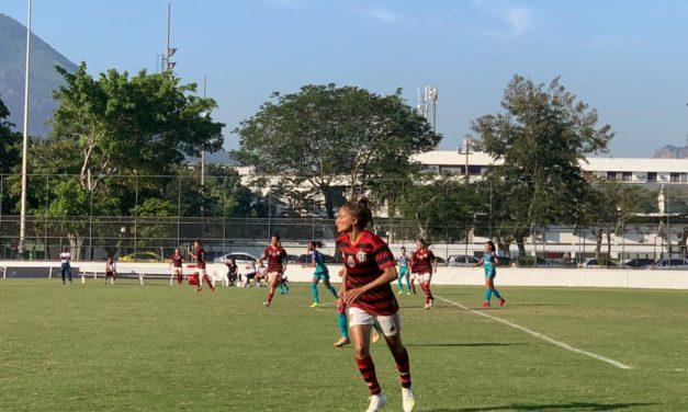 Larissa faz dois gols, dá assistência e garante vitória do Flamengo/Marinha